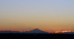 20011214日没後の富士山