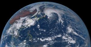 20151008-1200気象衛星