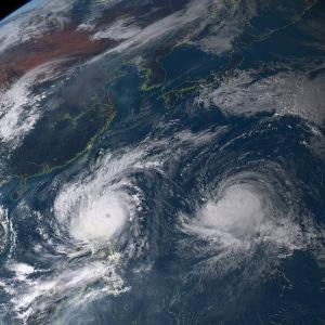 20151017-1500ダブル台風24号・25号