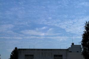 20041018穴あき雲