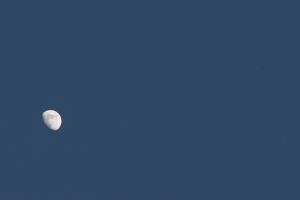 20170604日の入り前の月と木星