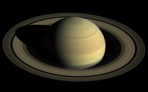 カッシーニ探査機による土星