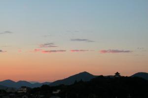 2005犬山城と夕暮れ
