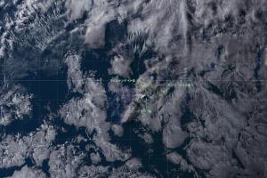 20180626-2300UT_GOES16_ガラパゴス噴火