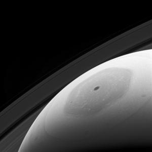 探査機カッシーニによる土星の六角渦