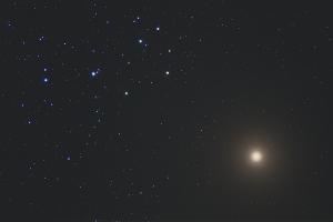 20200402宵・金星とすばるの大接近