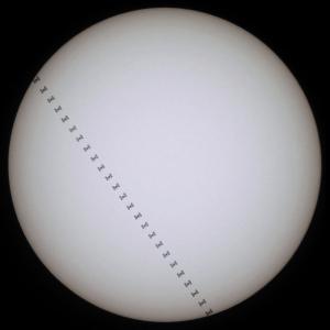 20210401_国際宇宙ステーションの太陽面通過